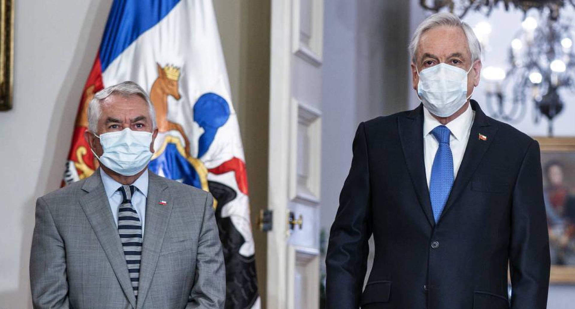 Renuncia ministro de Salud de Chile.