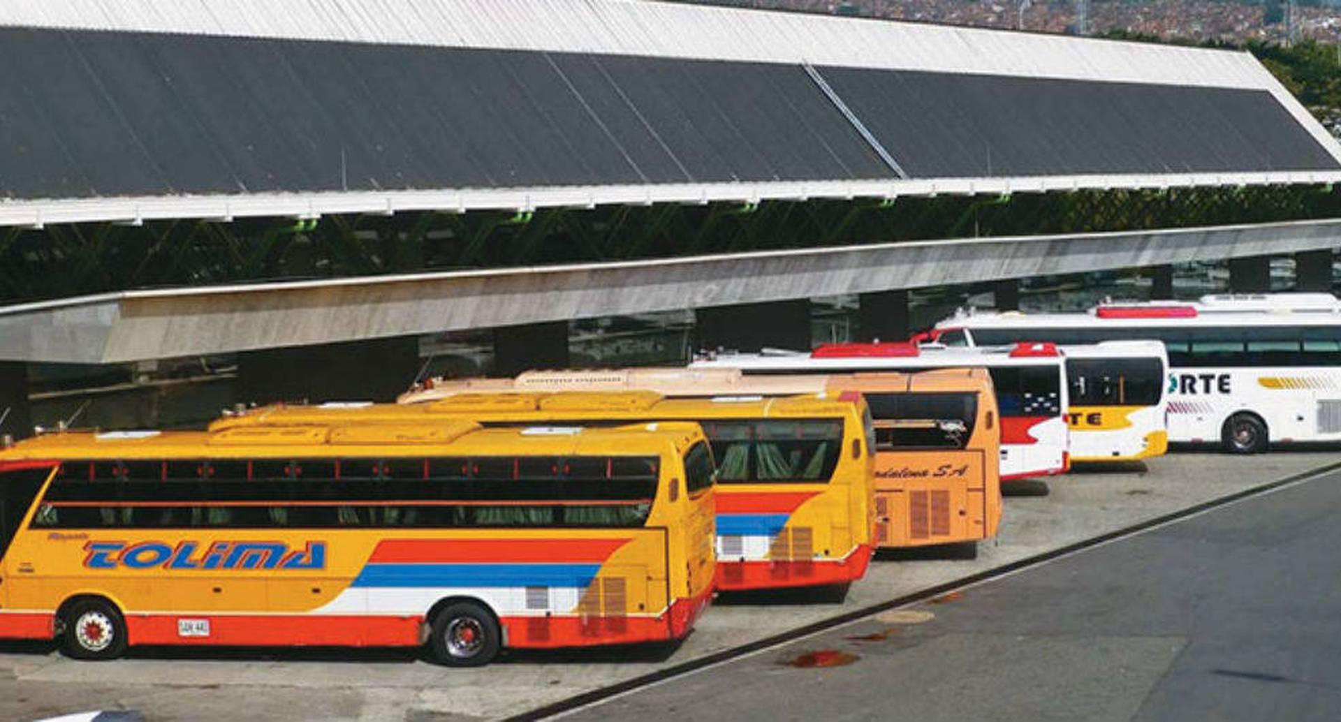 Transporte intermunicipal y vuelos domésticos todavía no serán habilitados.