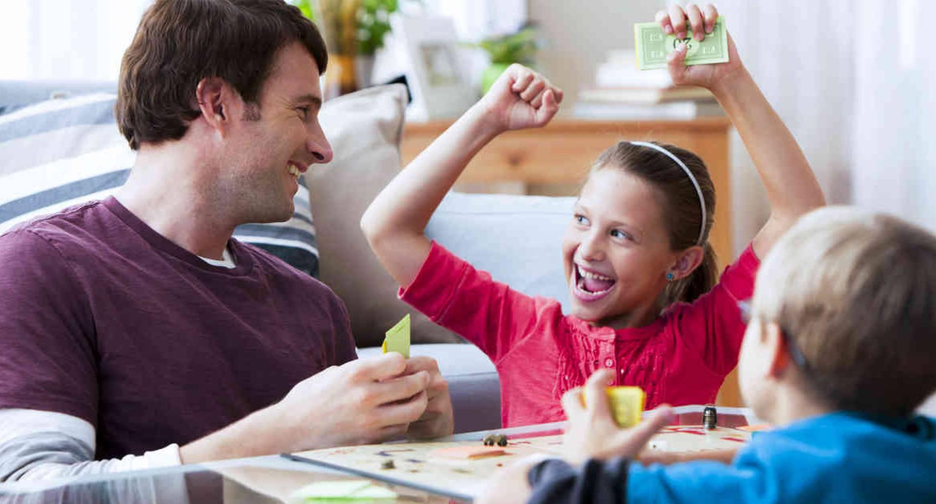 Los juegos de mesa desarrollan habilidades en los niños.