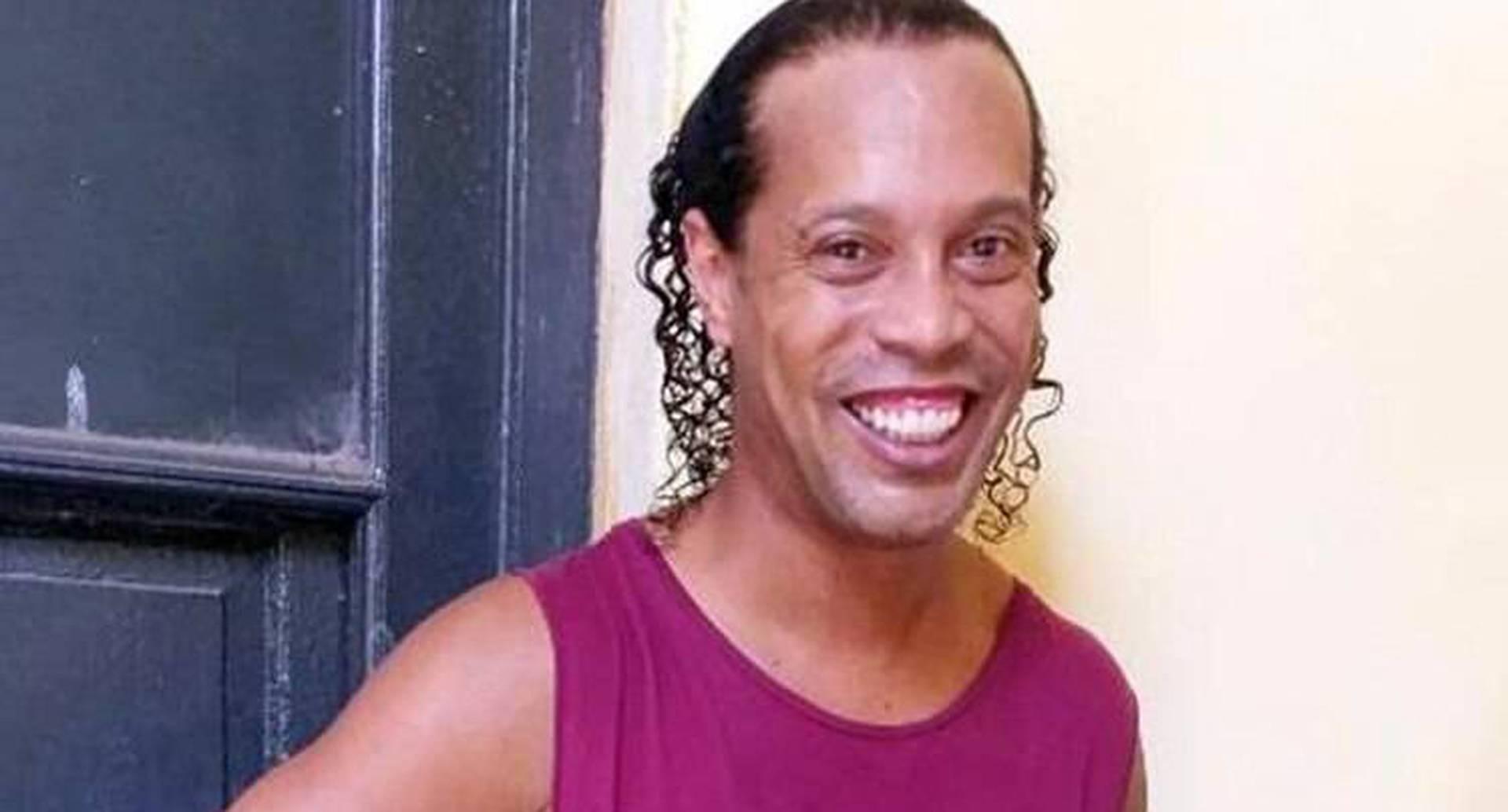 Ronaldinho en una prisión de Paraguay