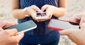 Telegram, Slack, Line, WeChat, Signal y Hangouts son algunas de las plataformas de mensajería instantánea alternativas.