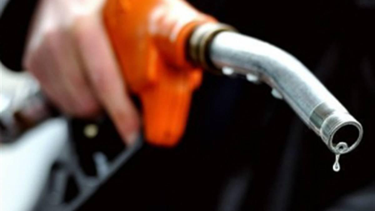 Gasolina sube $85 para febrero