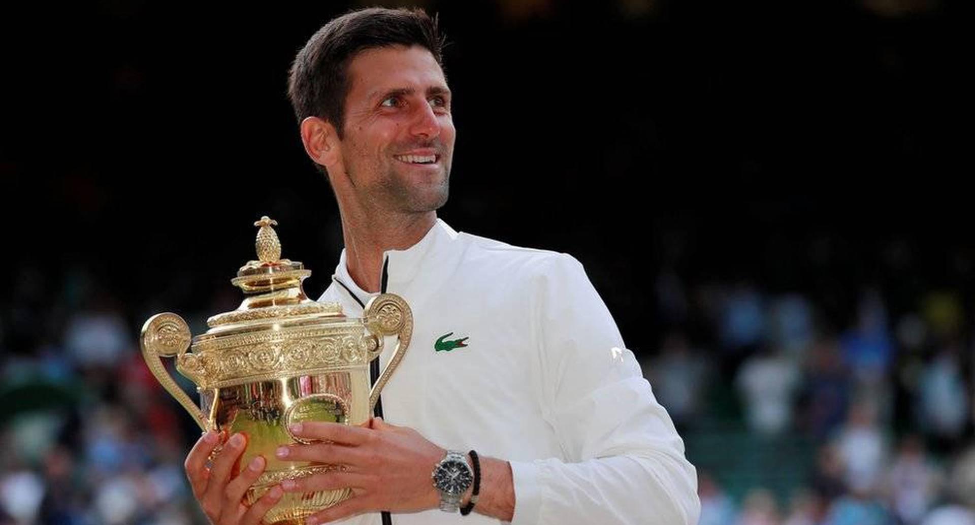 Reuters. Novak Djokovic (en la imagen) se impuso a Roger Federer en la final de Wimbledon.