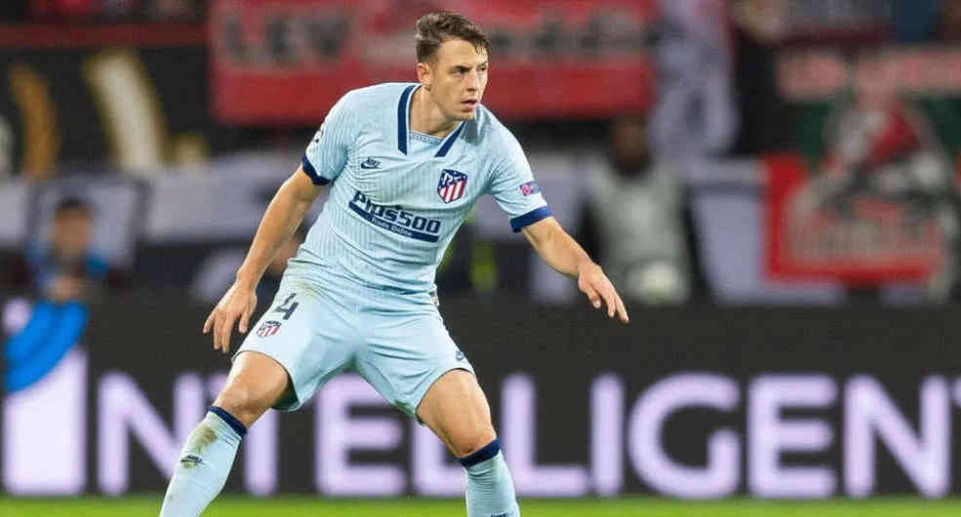 No solo James y Yerry Mina: Santiago Arias también suena para el Everton