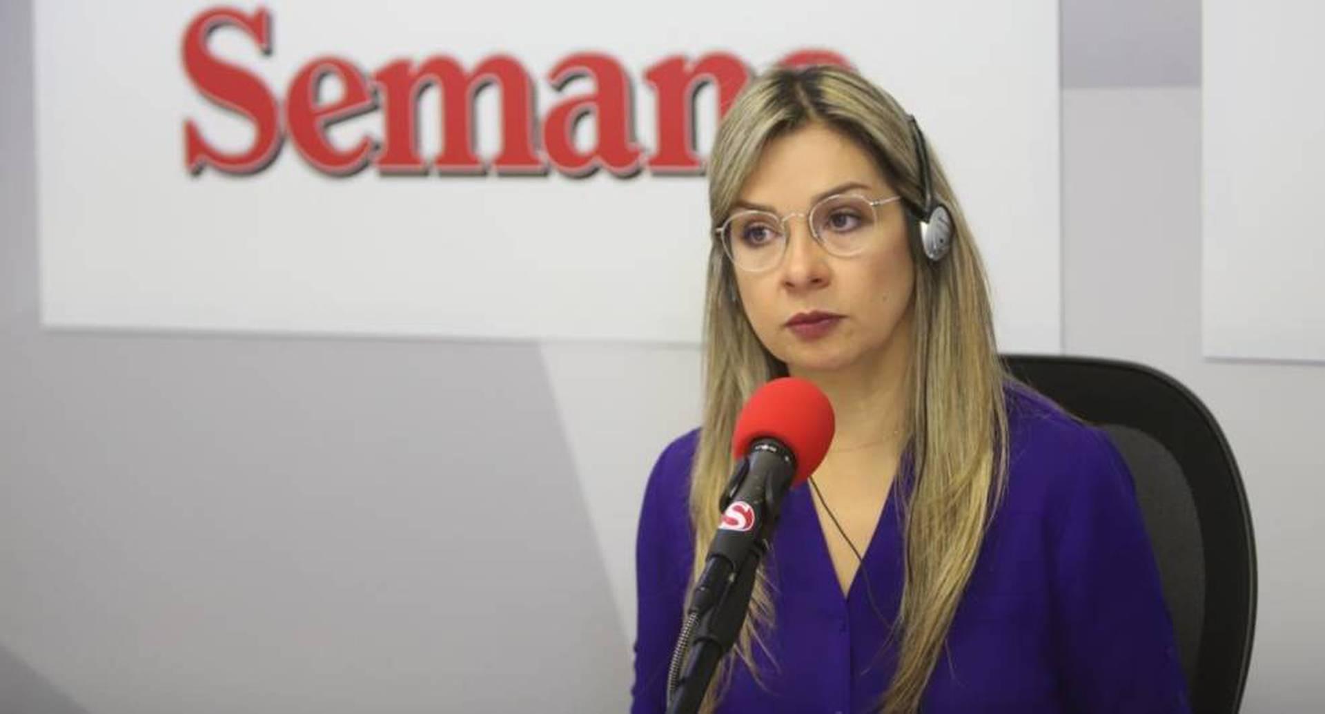 Vicky Dávila lee su columna 'Me equivoqué'