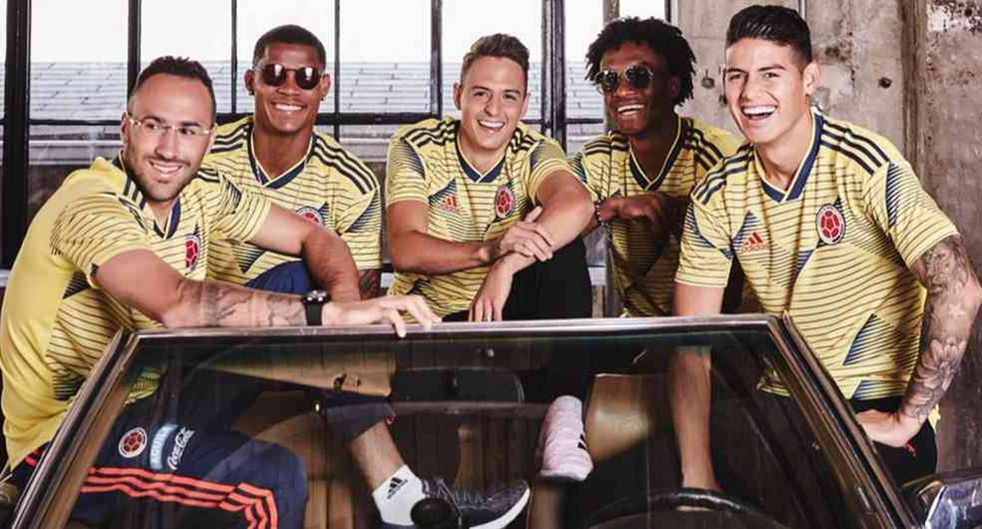 La nueva camiseta de la Selección Colombia no deja muy buenas impresiones en redes sociales.