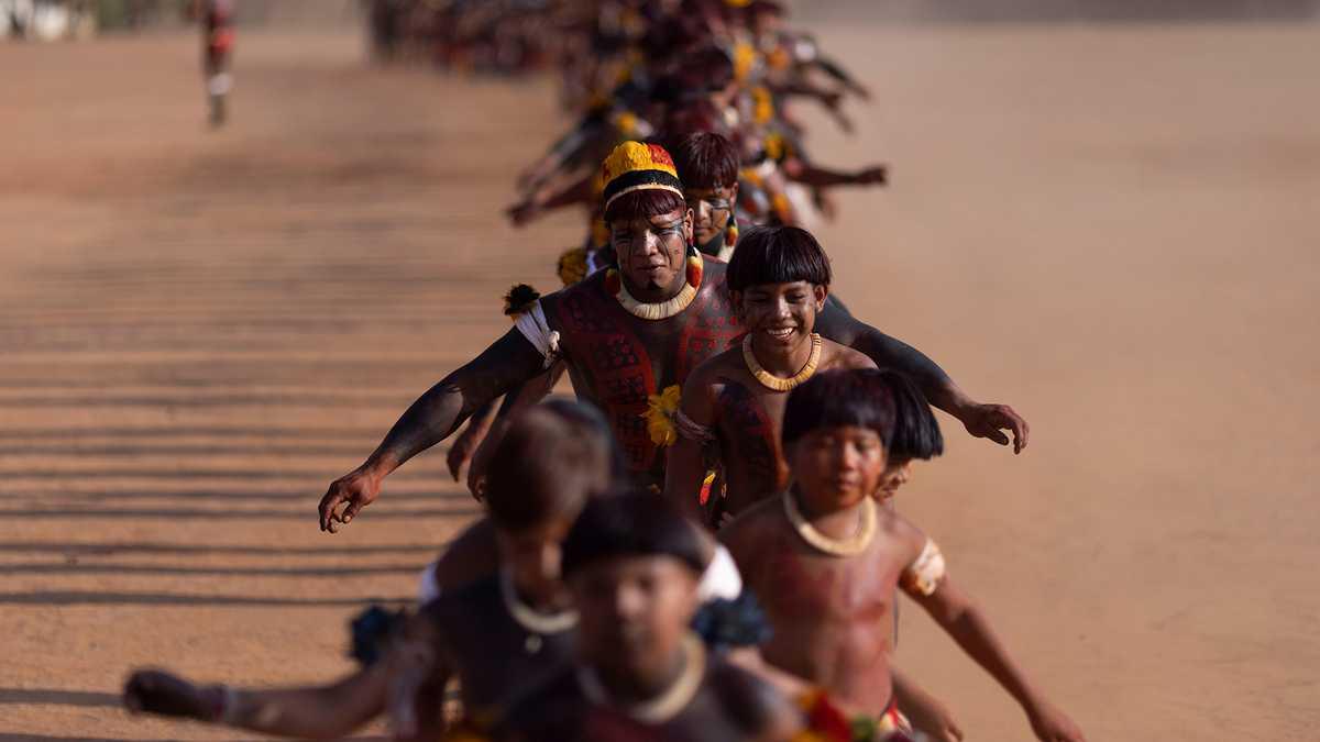En Imágenes : Ritual funerario Parque Indígena Xingu en Brasil