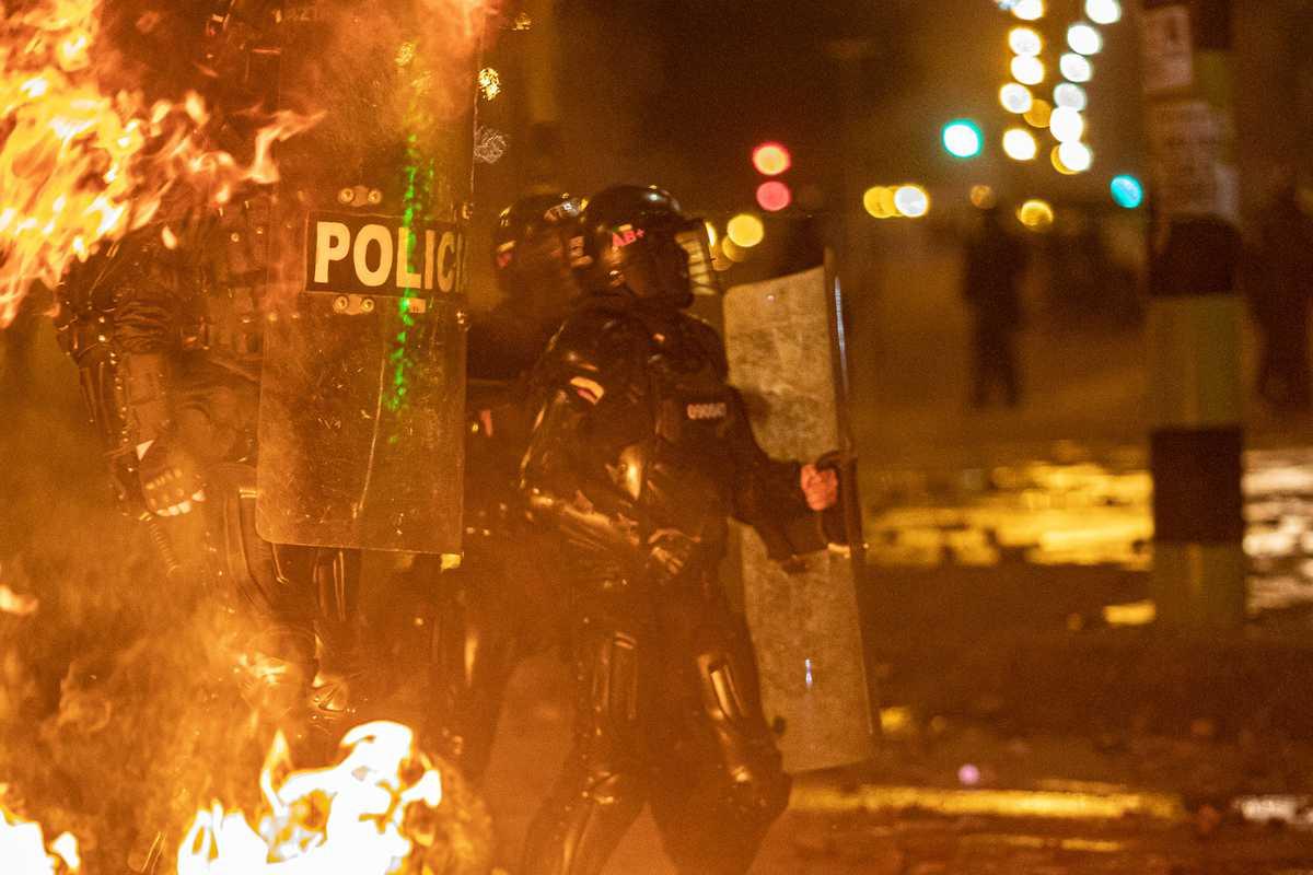 Apertura - Bitácora de una violenta protestar que completa un mes