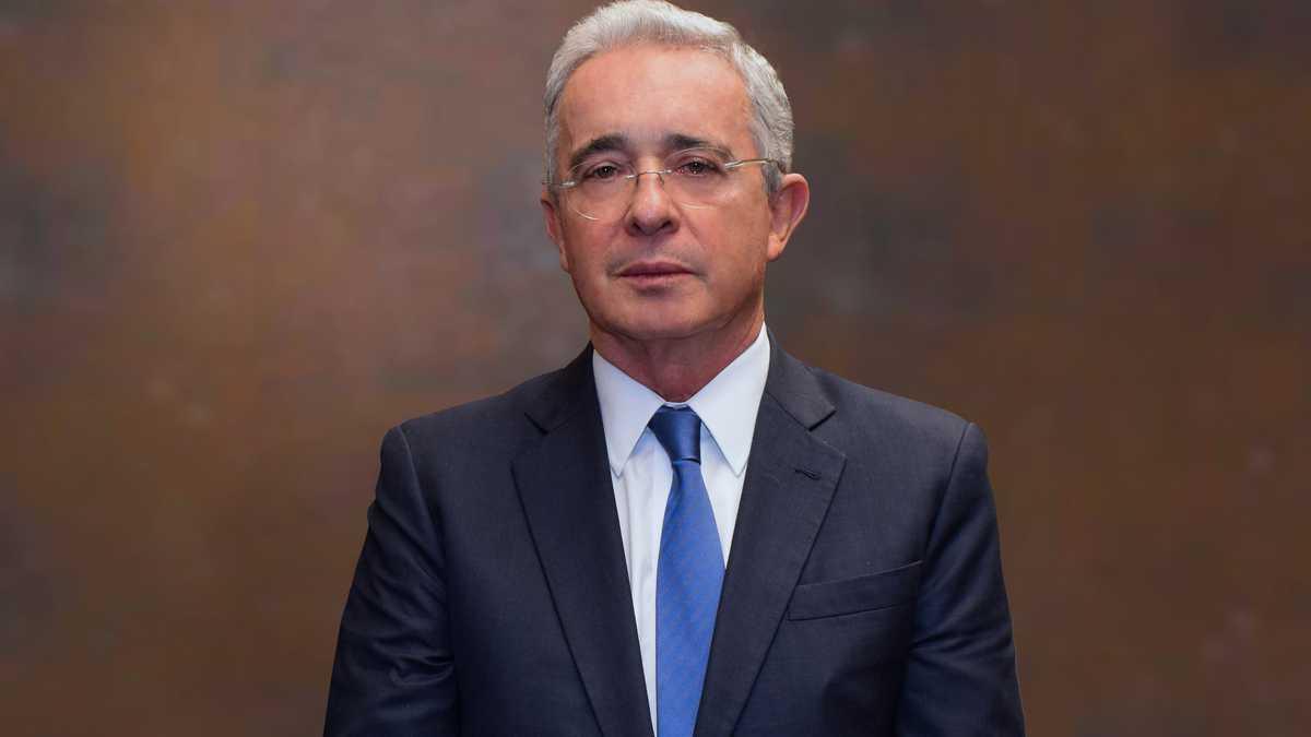 """Los falsos positivos no tienen que ver con la seguridad democrática"""": Álvaro  Uribe"""