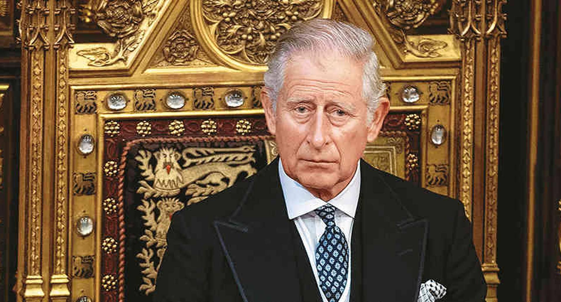 El príncipe Carlos de Inglaterra promete neutralidad cuando llegue al trono.