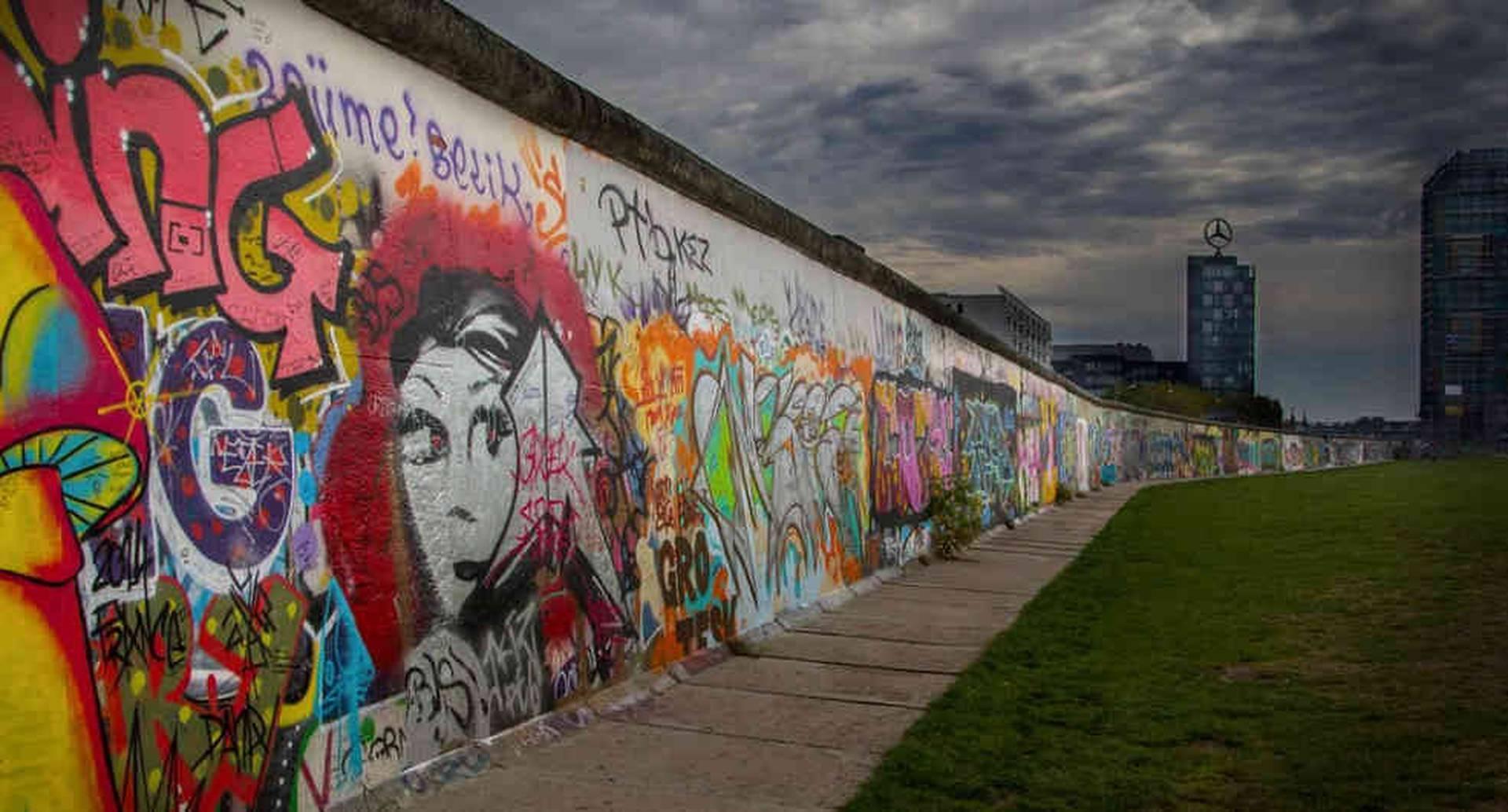 Foto histórica del Muro de Berlín. Foto:AP
