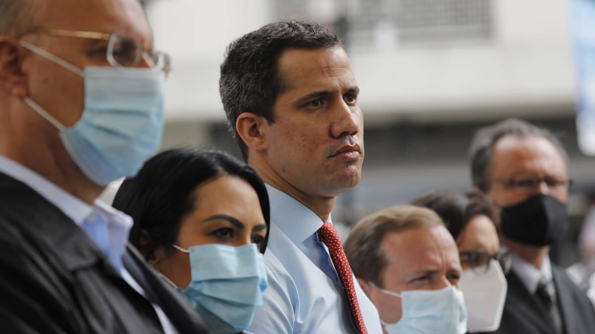 De qué trata la consulta popular que adelanta la oposición venezolana?
