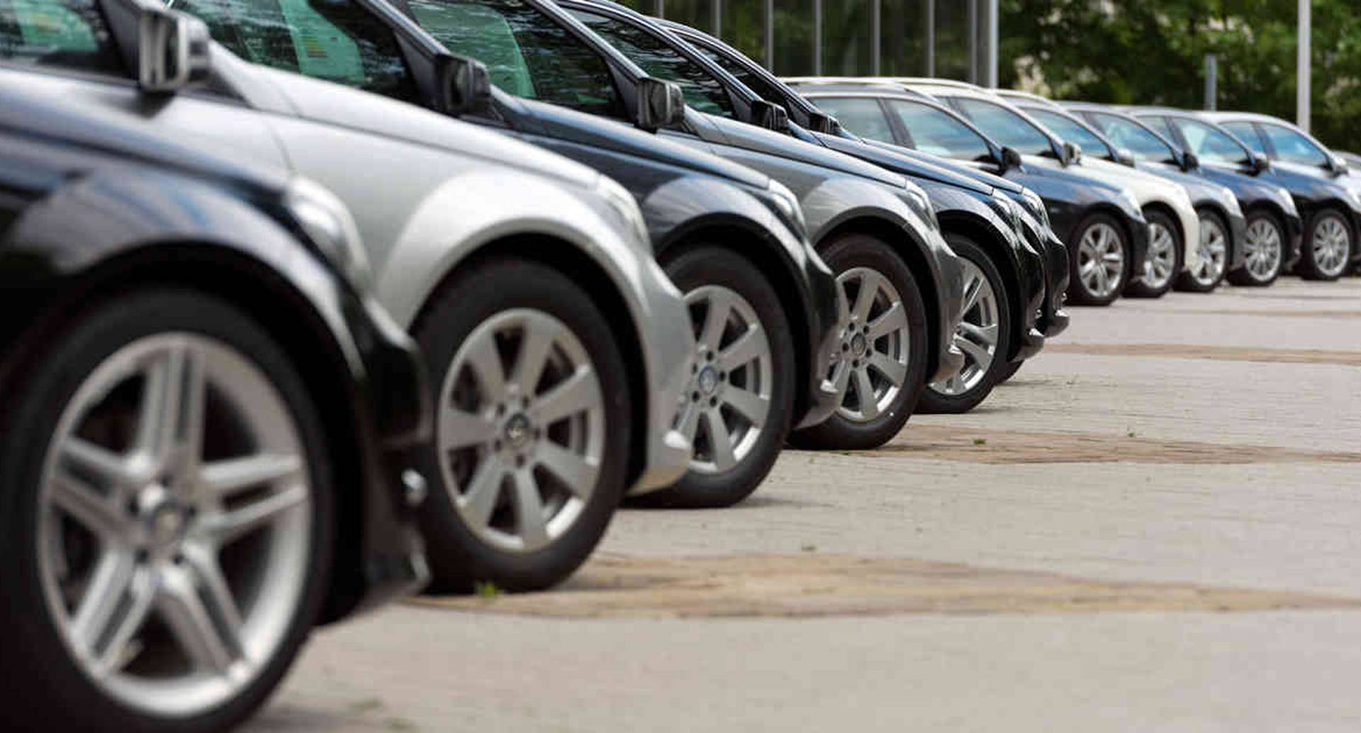 La idea es salir del inventario de carros que dejará la caída de las ventas y dinamizar el sector.