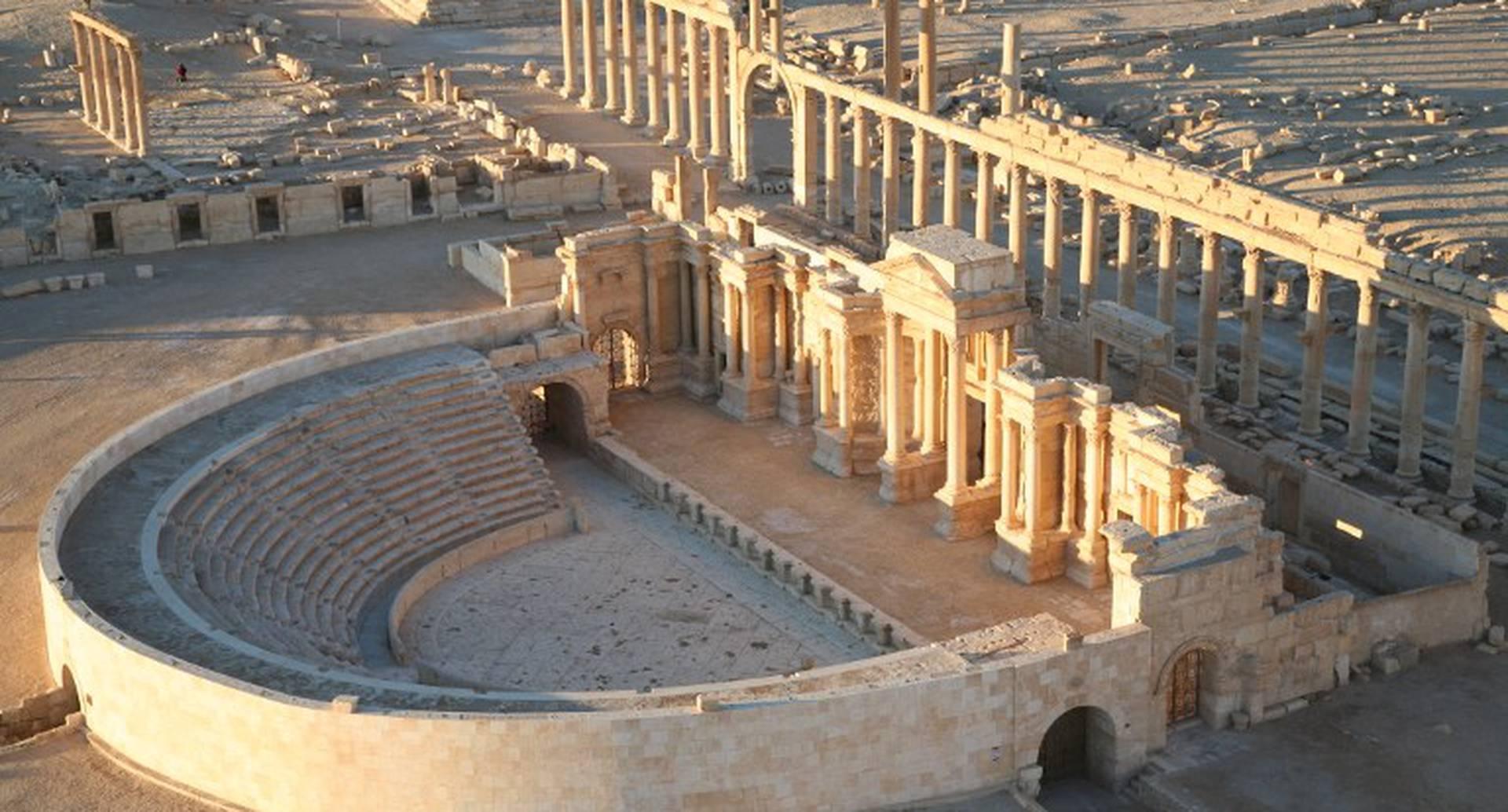 Desde hacía días el mundo miraba con preocupación cómo las tropas de Isis se acercaban a las ruinas de la milenaria ciudad de Palmyra, una de las ciudades históricas más hermosas del mundo. Para la madrigada del 21 de mayo la ciudad se había rendido ante los ataques del grupo terrorista. Foto: AFP