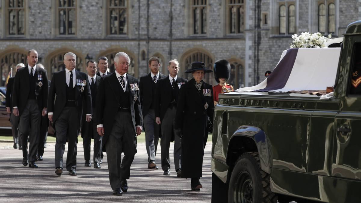 En vivo: El entrañable adiós del Reino Unido a Felipe, el príncipe azul de  la reina Isabel