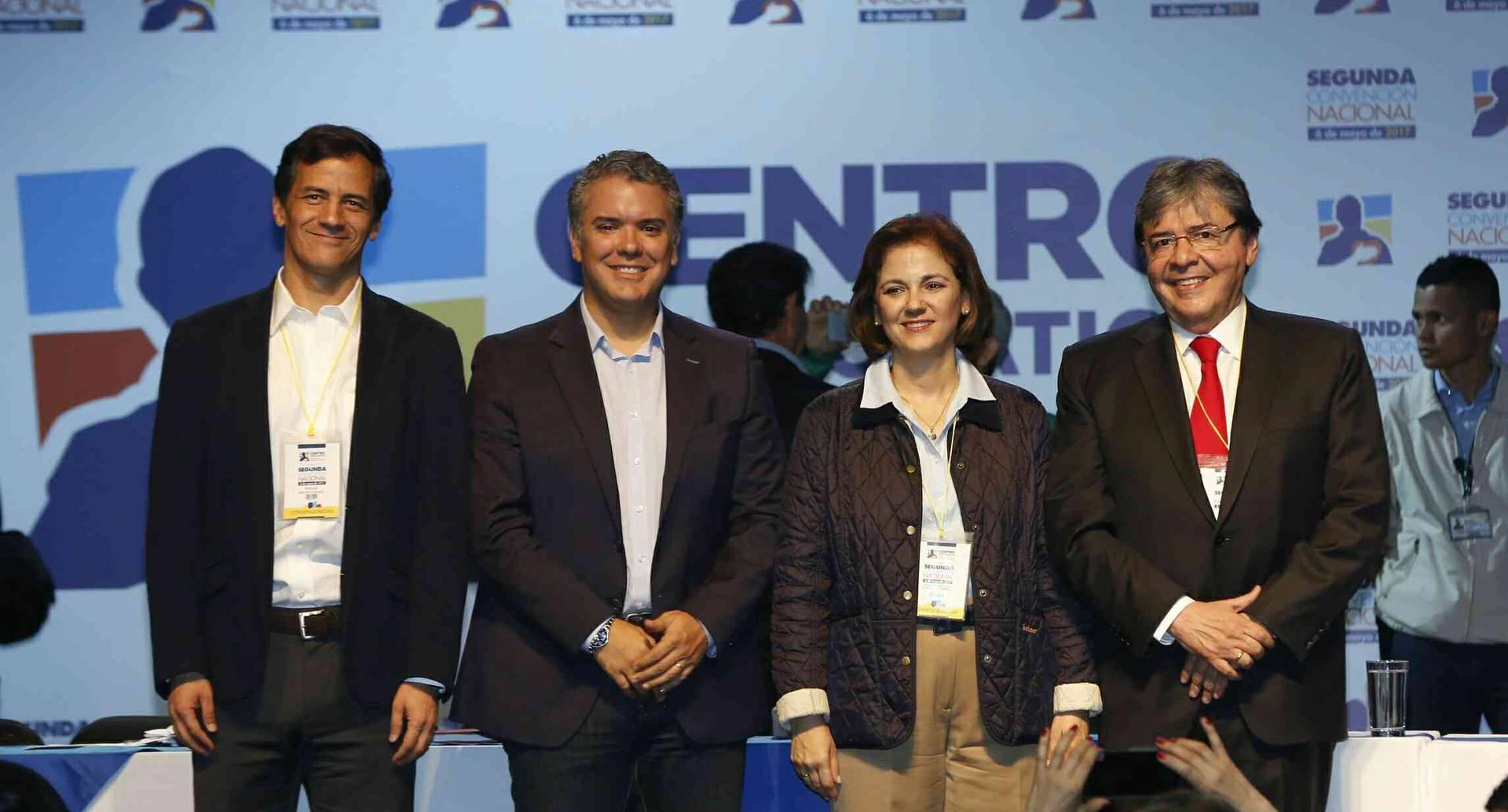 Cuatro de los precandidatos presidenciales: Rafael Nieto, Iván Duque, María del Rosario Guerra y Carlos Holmes Trujillo.