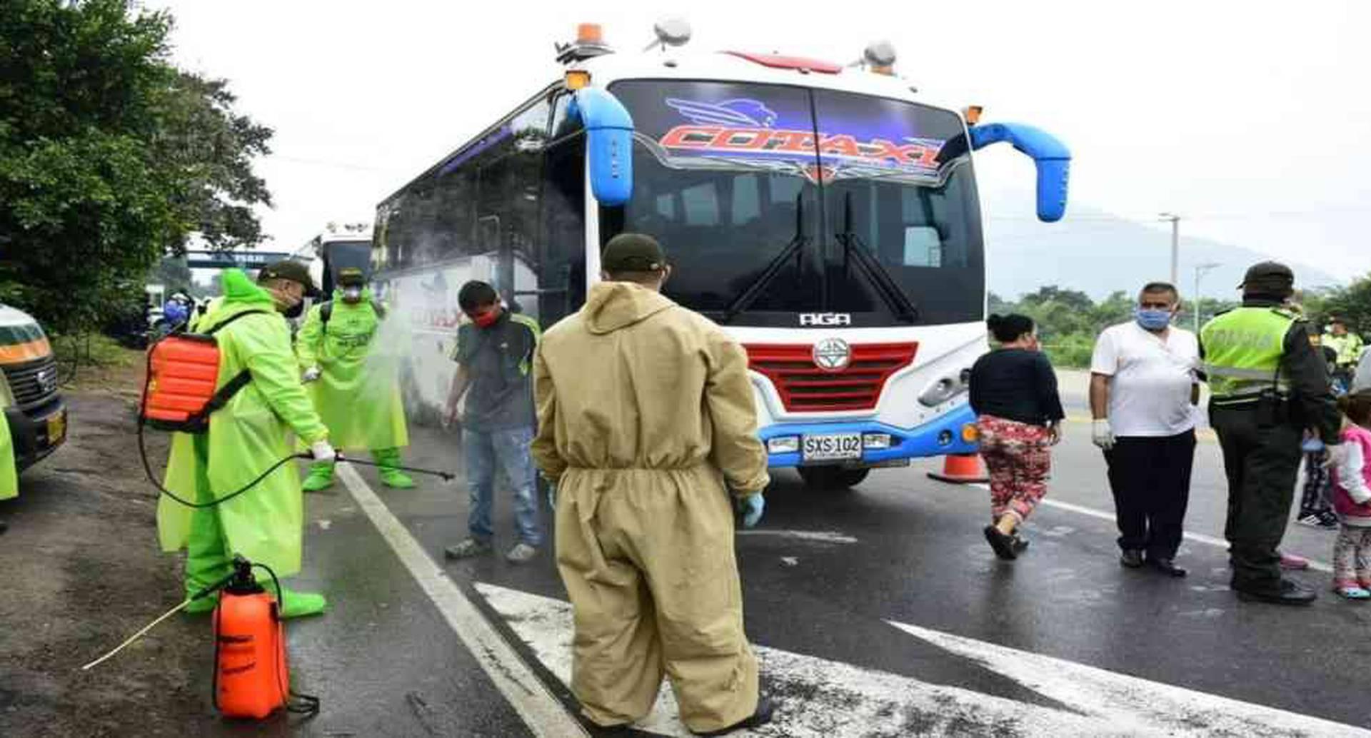 En los puntos fronterizos entre Colombia y Venezuela se mantiene un control epidemiológico permanente.