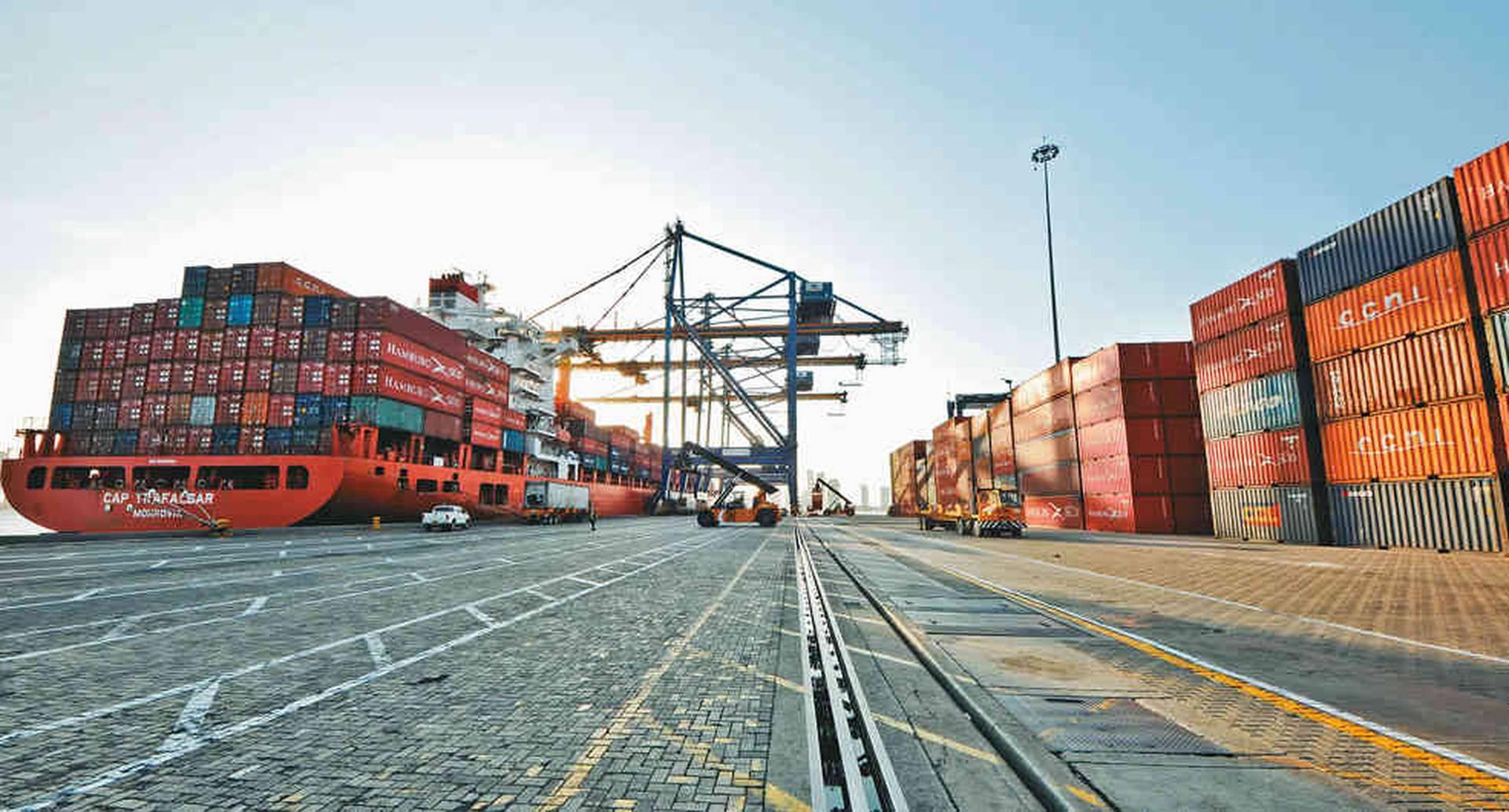 Buena parte de las barreras para el comercio exterior no son arancelarias, y en un 70 por ciento son autoimpuestas. Es decir que no las exigen otros países.