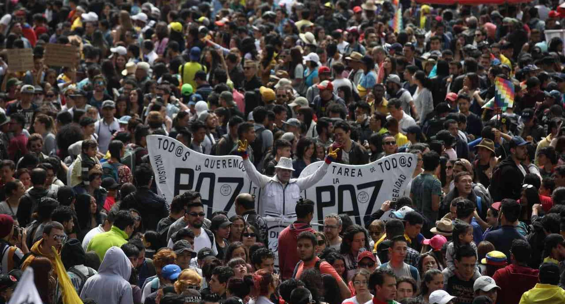 Más de 180.000 personas se unieron a un canto por Colombia.