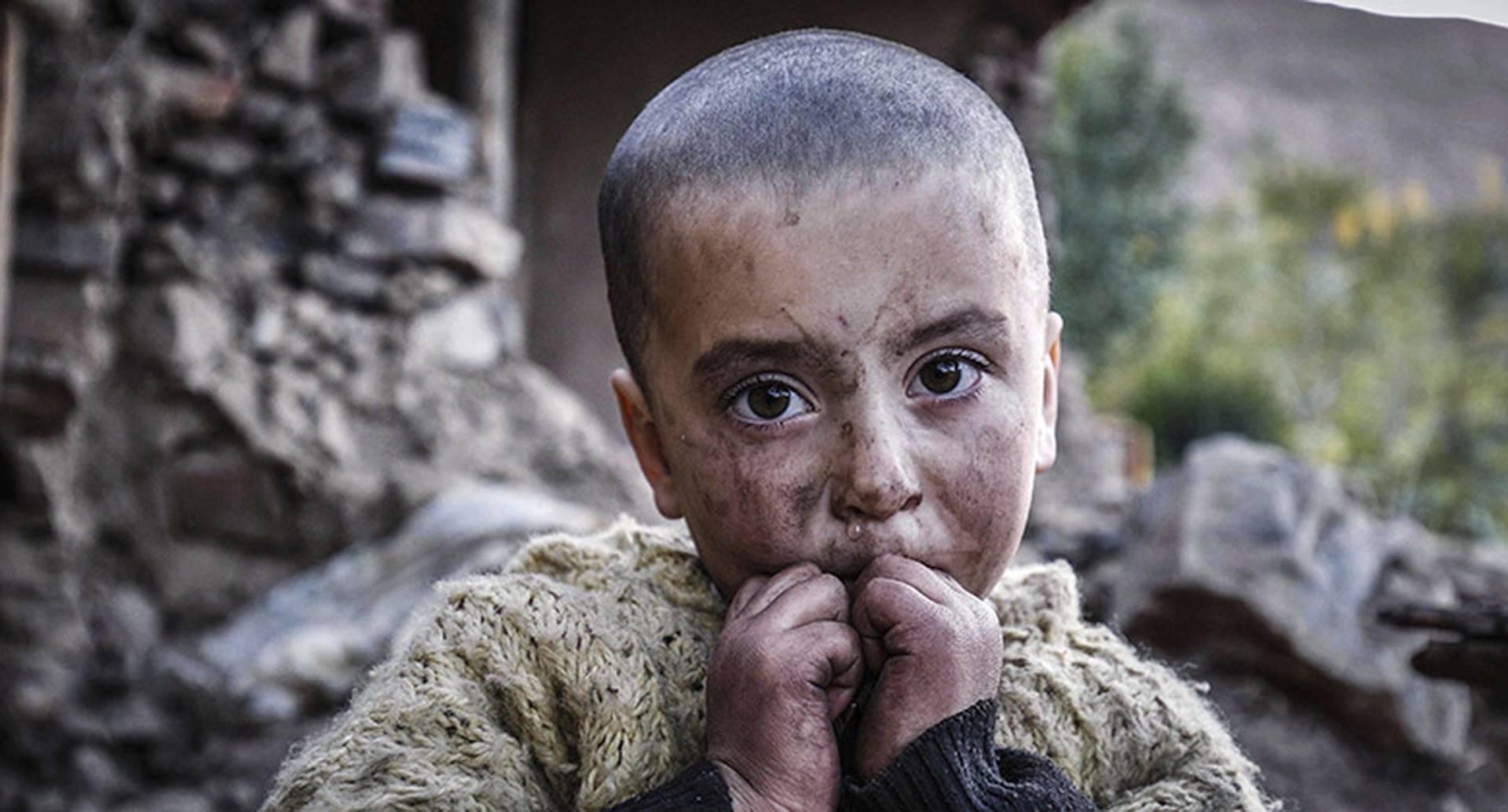 Los niños son los que más han sufrido la guerra en Afganistán. Una generación entera ha crecido entre bombas y balas de metralleta.