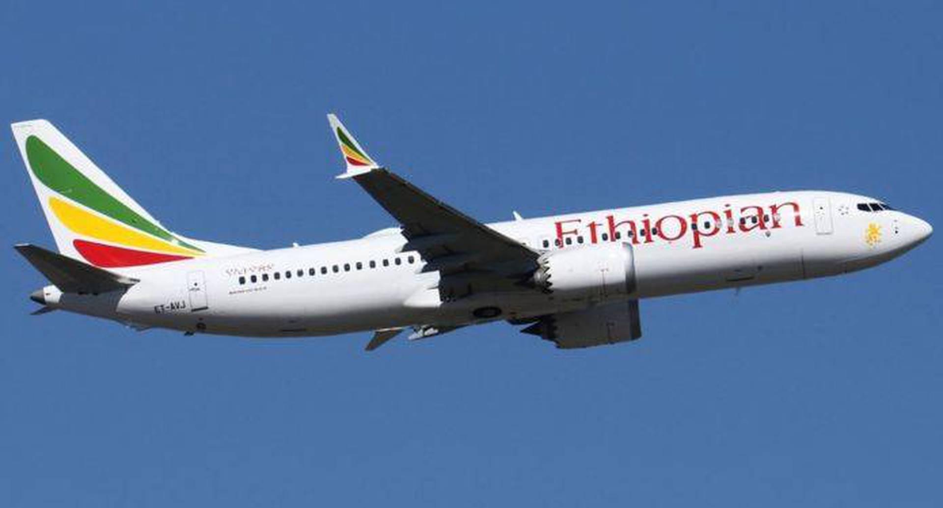 """Al día siguiente Ethiopian Airlines anunció que suspendía todos los vuelos de sus 737-8 como una """"precaución de seguridad adicional""""."""