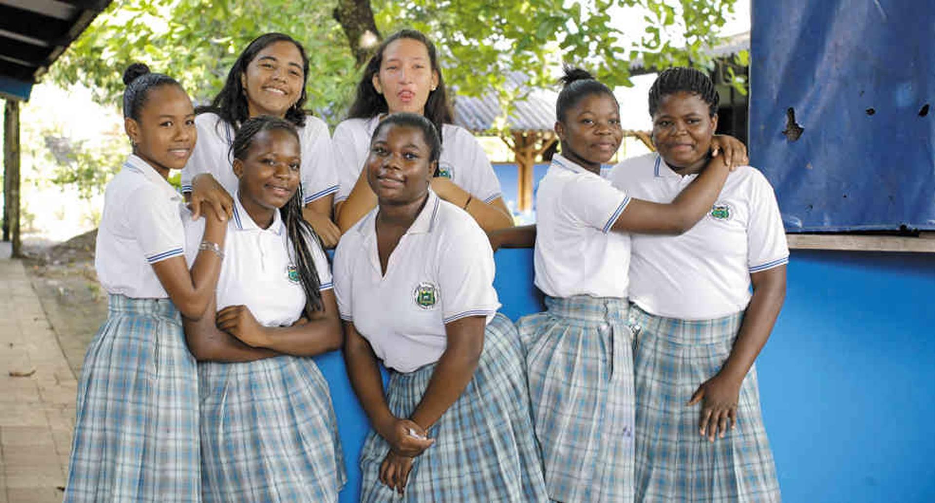 Estudiantes del colegio Ineder, donde Unfpa está presente con el proyecto Salud para la Paz, Fortaleciendo Comunidades.