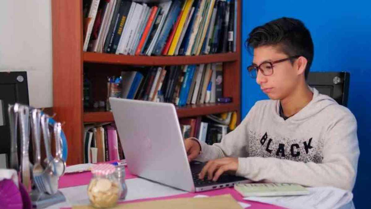 WhatsApp, Google Classroom y Zoom: educación en un contexto exigente