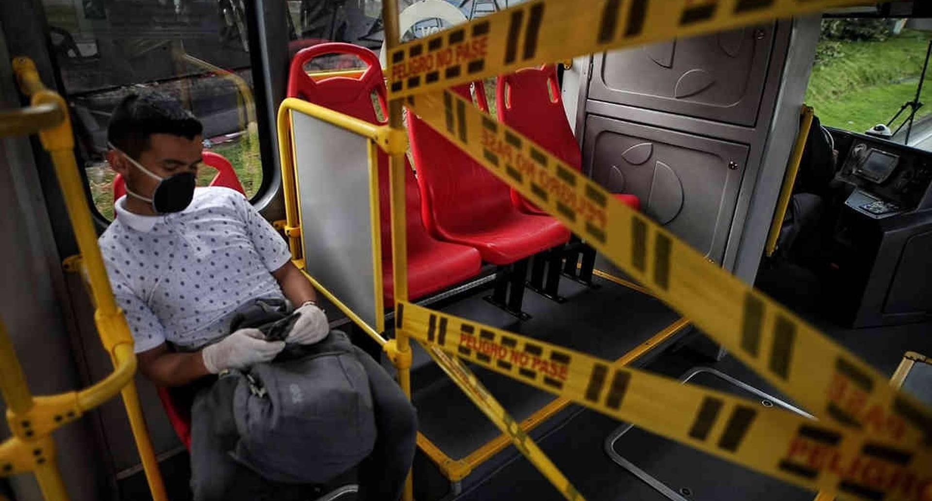 Las medidas de aislamiento se mantienen en el transporte público