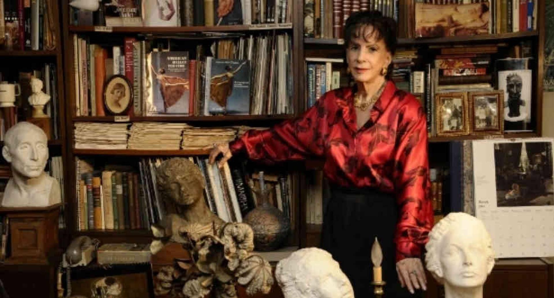 La poeta antioqueña Olga Elena Mattei ganó el premio de literatura Poestate. Foto: John Alexánder Chica / periódico El Mundo.