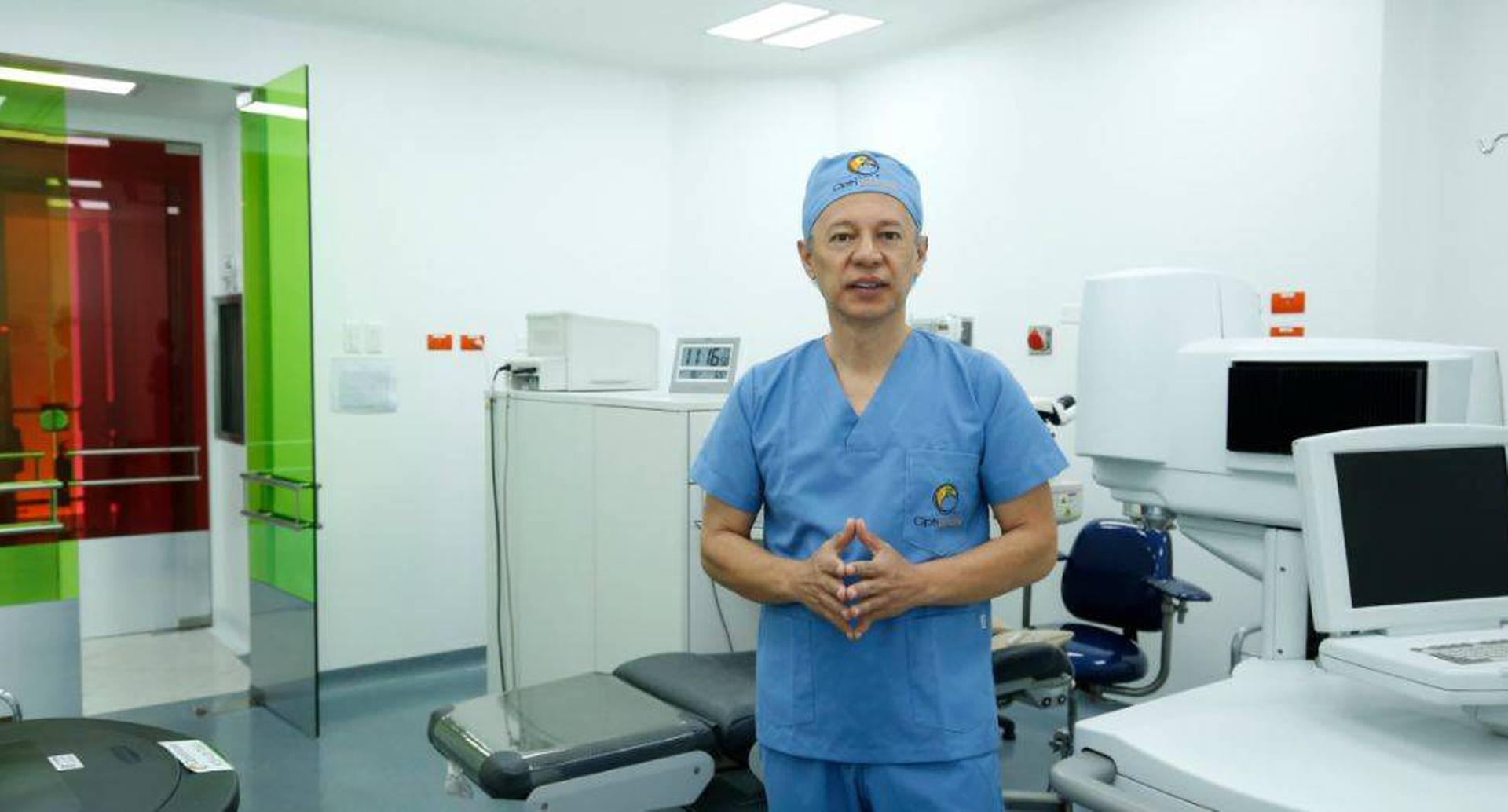 John Cetina. Médico cirujano especialista y máster en Oftalmología