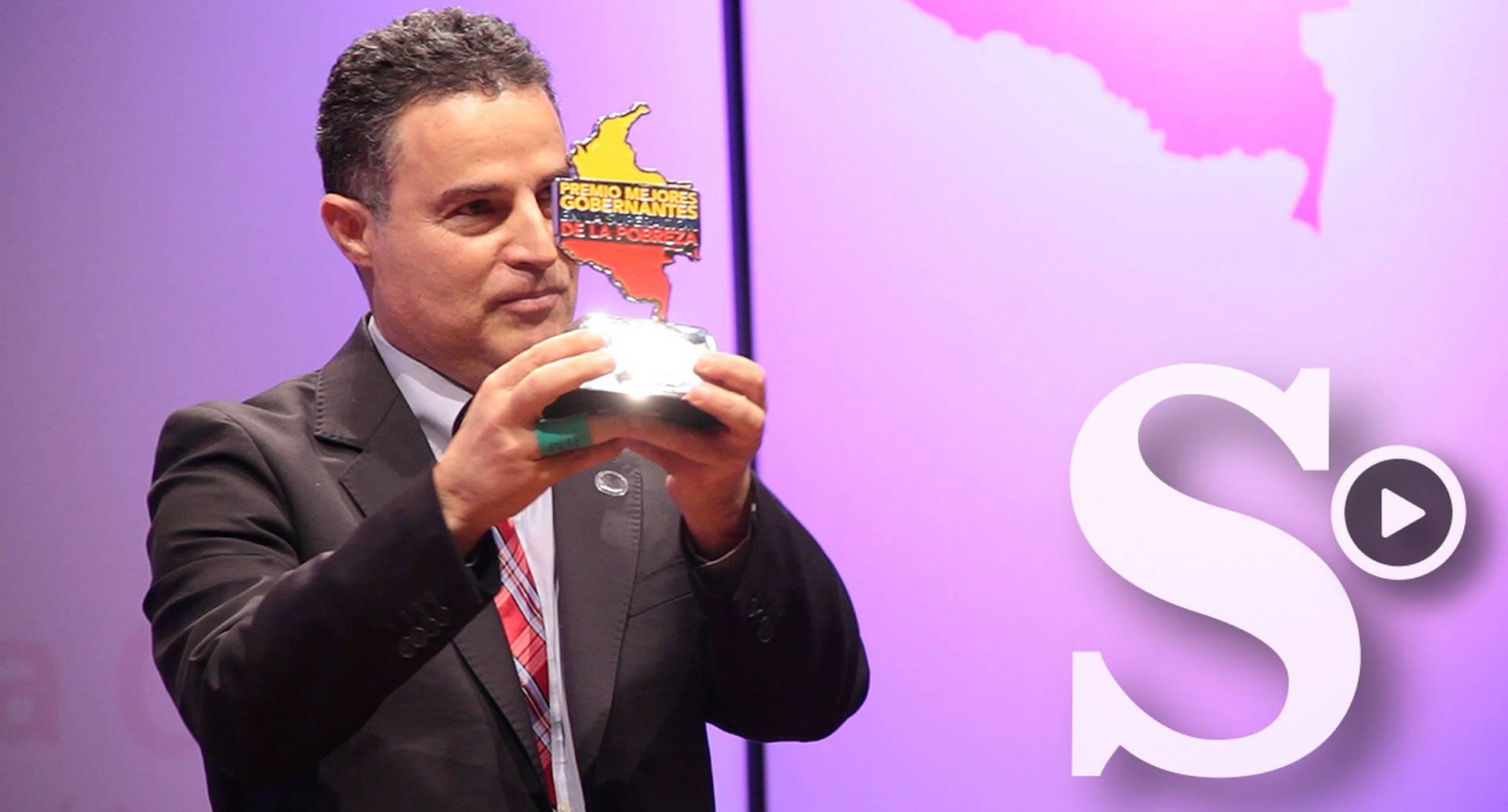 Por segunda vez, Colombia Líder entregó el Premio Mejores Gobernantes en Superación de la Pobreza, que busca exaltar la labor y los resultados de alcaldes y gobernadores que realizan una buena gestión pública con excelencia administrativa para superar la pobreza y la desigualdad, y logran la equidad en sus entes territoriales.