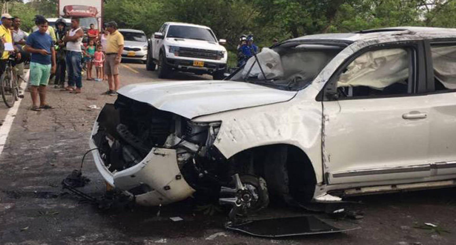 Imagen del estado en quedó la camioneta de Martín Elías y circuló redes sociales después del accidente.