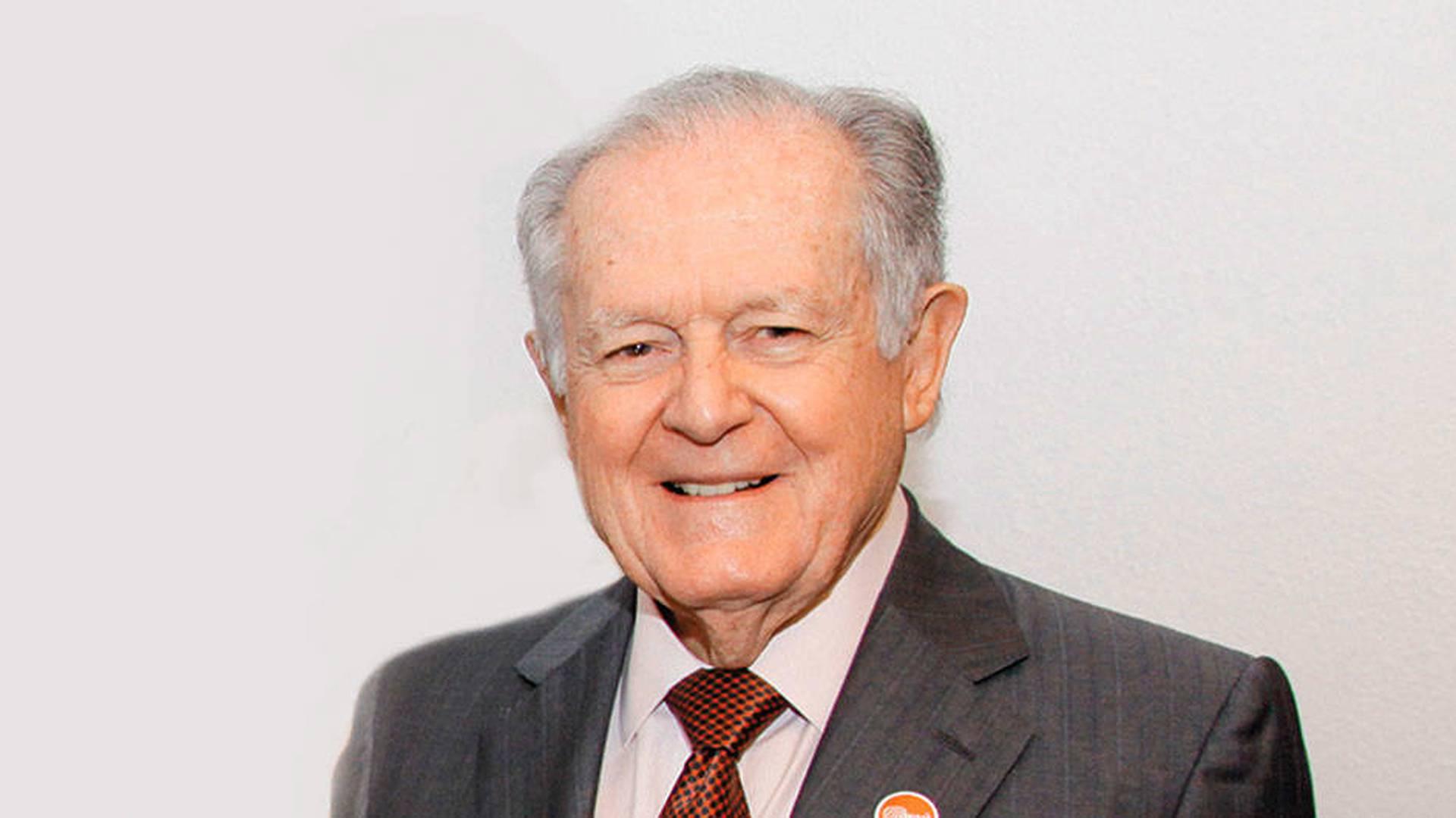 Luis Carlos Sarmiento.