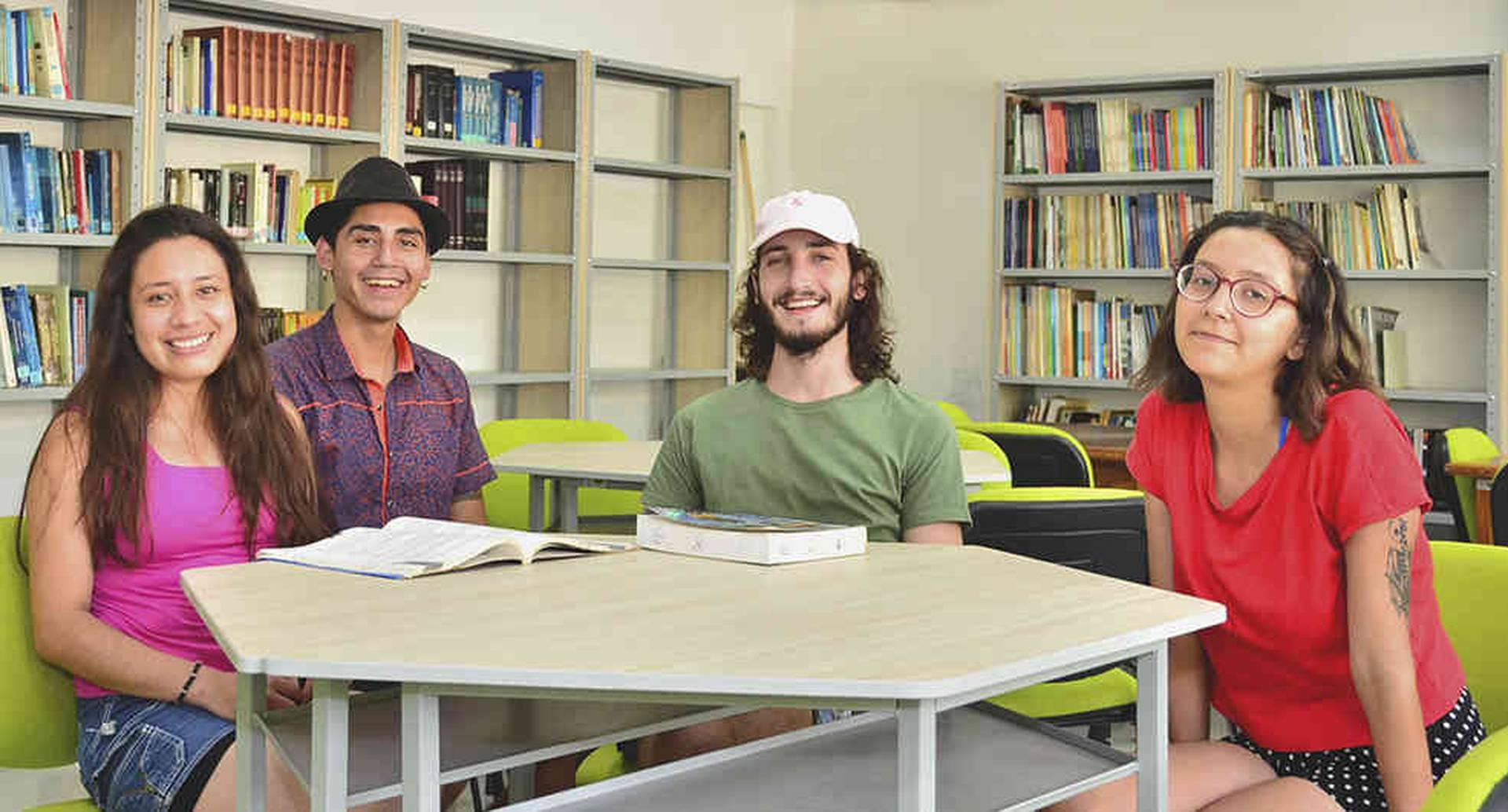 La universidad ha formado 34.000 profesionales. Cada semestre ingresan 2.300 personas de las 20.000 que se inscriben al año.