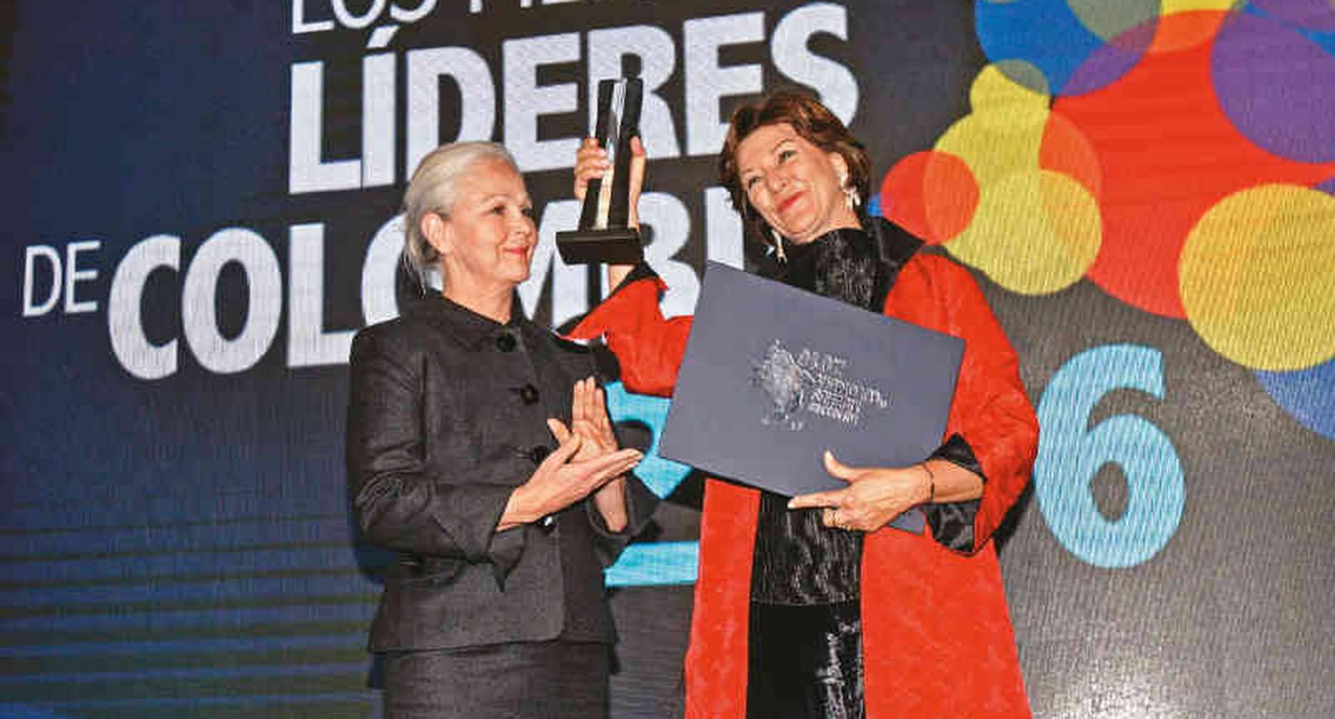 Claudia Triana, fundadora y directora del Fondo Mixto para la Promoción Cinematográfica (Proimágenes), se llevó el reconocimiento por promover una revolución en el cine colombiano al impulsar la Ley del Cine.
