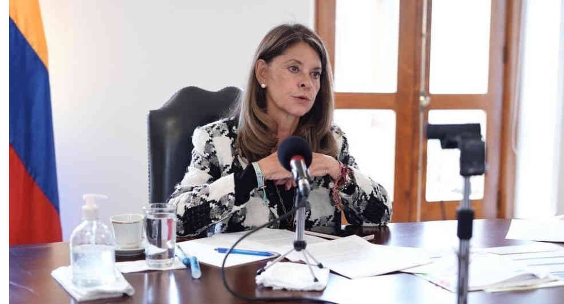 Polémica por propuesta sobre servicio militar obligatorio para mujeres