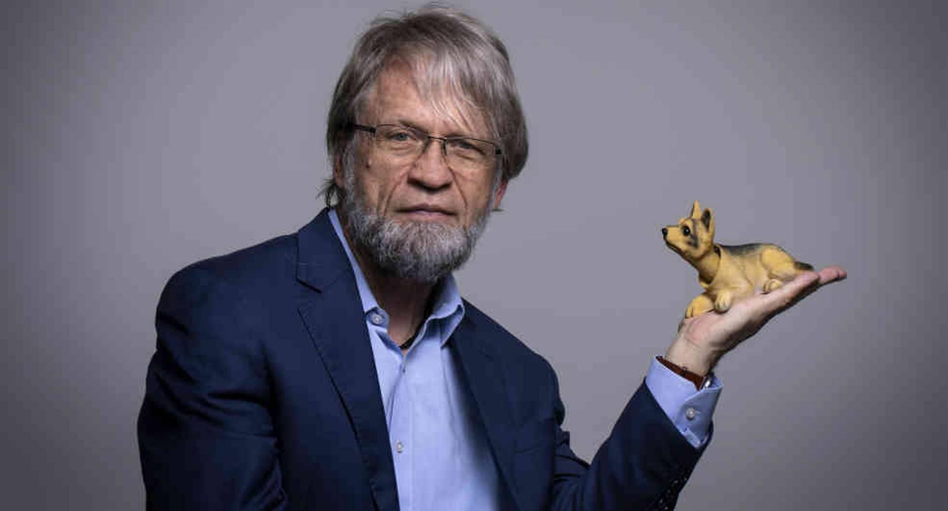 Antanas Mockus respondió a las burlas con un video que se hizo viral.