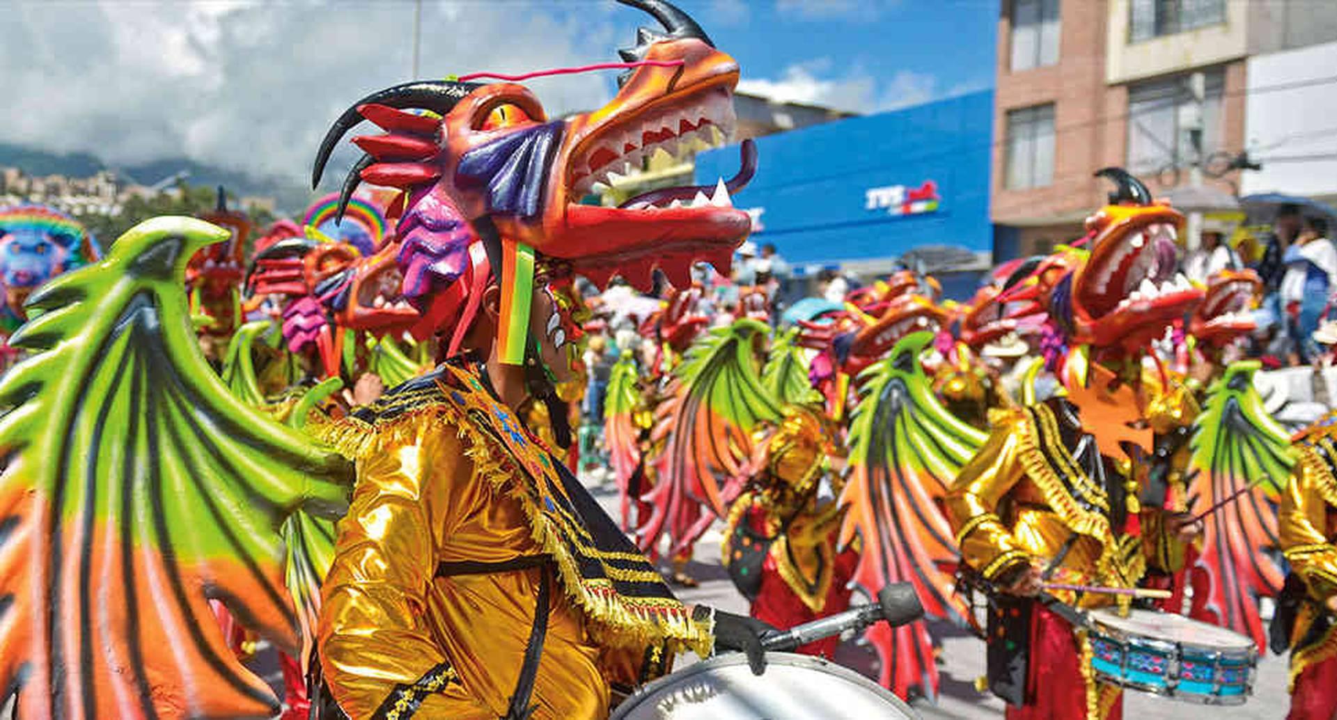 El Carnaval de Negros y Blancos representa el mestizaje de la cultura popular colombiana.