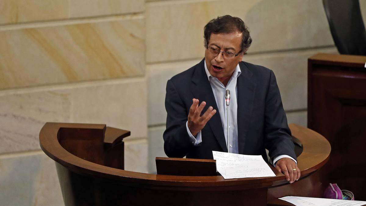 Procuraduría pide mantener la investidura del congresista Gustavo Petro