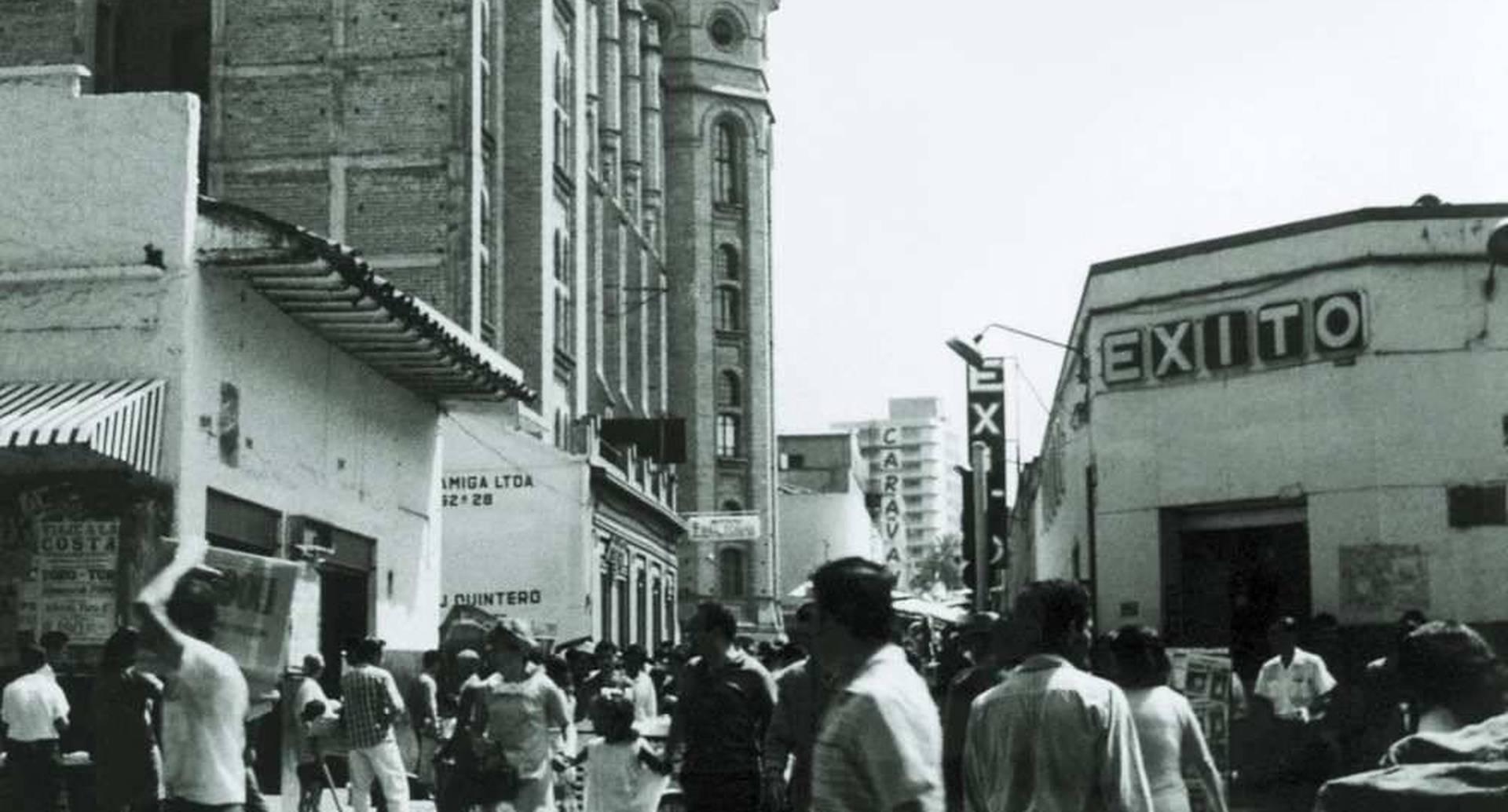 1949 - El primer almacén de la marca Éxito abrió el sábado 26 de marzo, en un local de 16 metros cuadrados ubicado en la calle Alhambra en el centro de Medellín. FOTO: Grupo Éxito