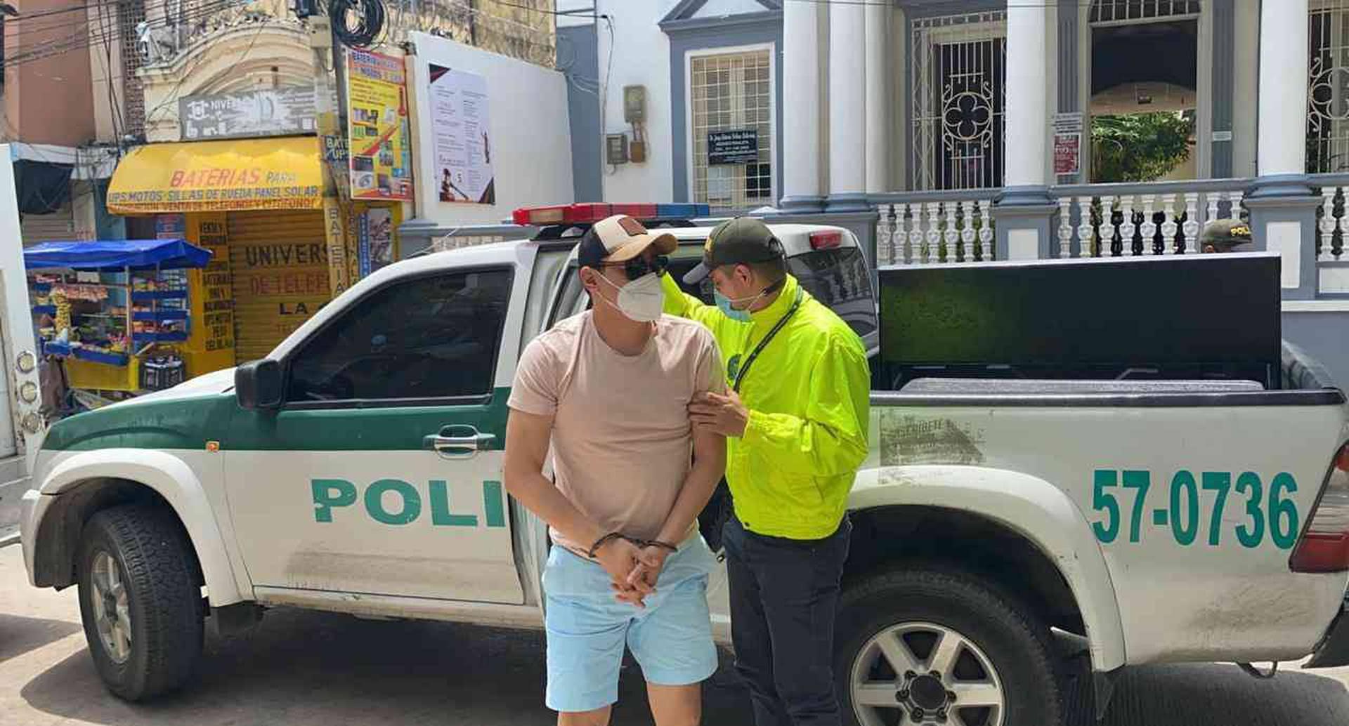 Imágenes del operativo realizado en Barranquilla, en caso de contrabando de Zapatos.