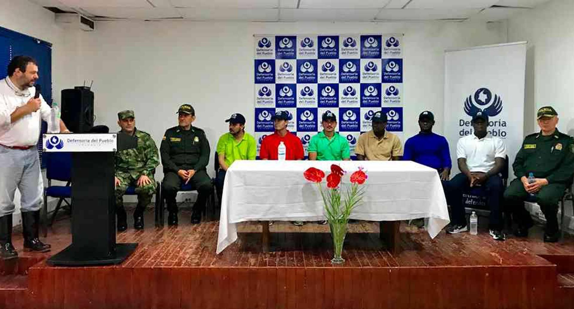 La entrega de las personas secuestradas fue hecha a una comisión humanitaria.