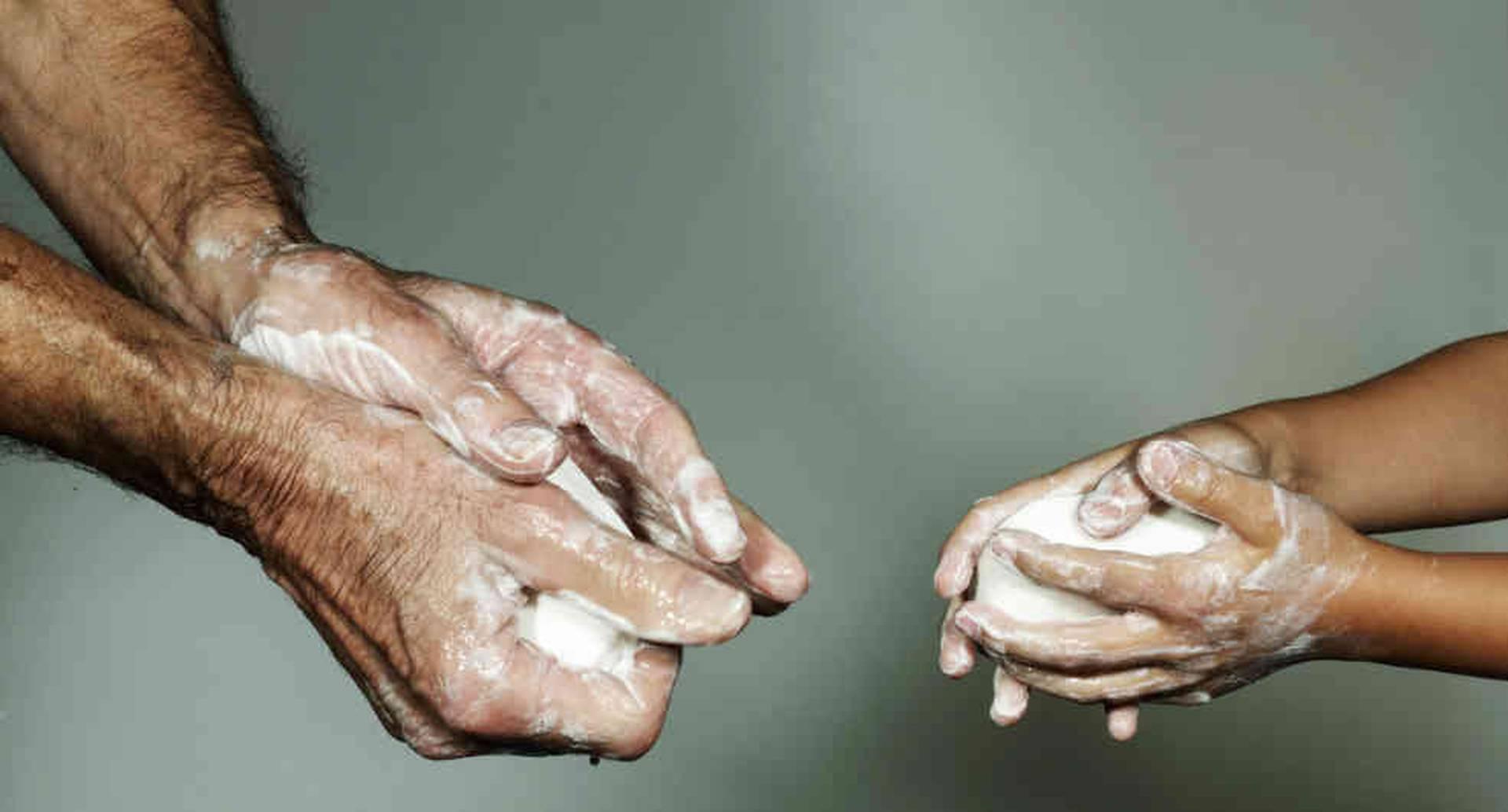 Pese a que el lavado de manos hoy es vital, cifras del Banco Mundial indican que 25% de los latinoamericanos no tienen acceso a una fuente de agua confiable.